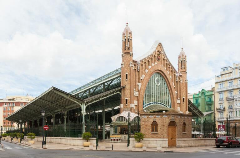 Mercado de Colón de Valencia, cita con el modernismo gourmet