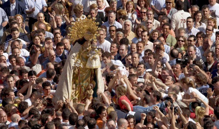 Virgen de los Desamparados: passion for the Geperudeta