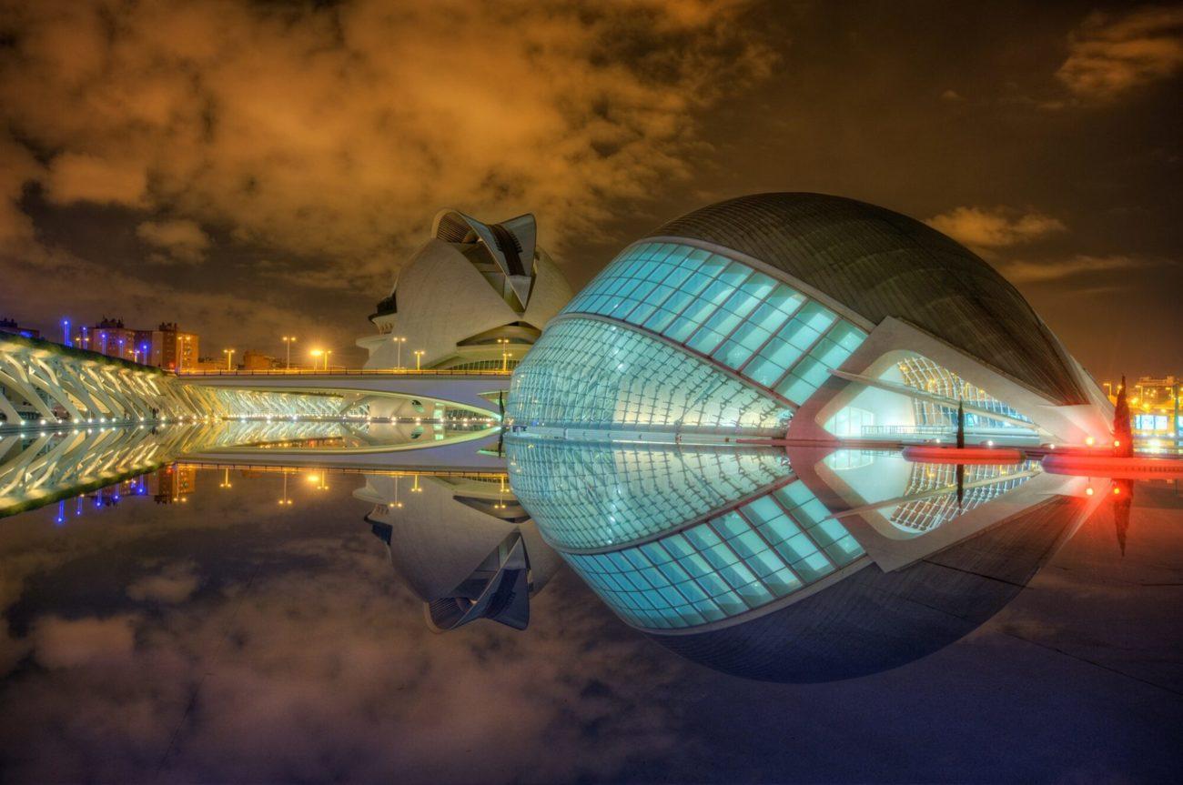 Vista nocturna Ciudad Artes y Ciencias